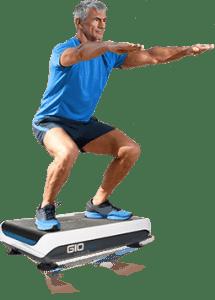 Mann macht Übungen auf hypervibe G10 Mini
